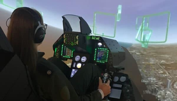 טיסה ראשונה בסימולטור טיסה בטייסת